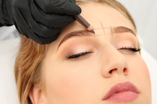 Eyebrow shaping (LHR)